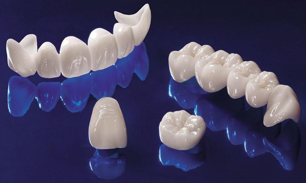 Циркониевые коронки на передние зубы