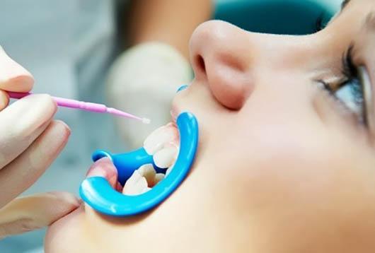 что делать в случае стирание эмали зубов